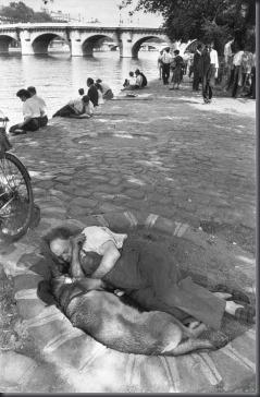 Bresson - PAR42706 - Paris - 1956 - Square du Vert-Galant and Pont-Neuf bridge over the Seine