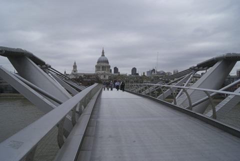 2010-07-07 - Millenium Bridge (1) - Reduzida