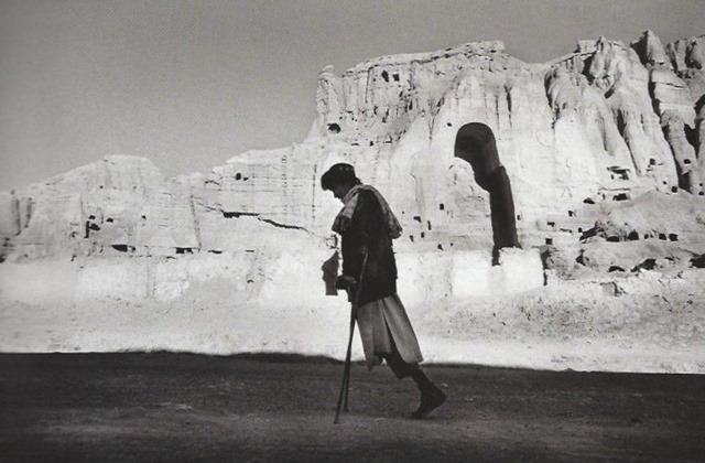 The Photographers Vision - Michael Freeman - P18 - Bamiyan, 2003, Seeamus Murphy